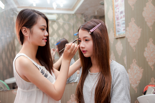 """""""Hot girl ảnh thẻ"""" Lan Hương đã tin tưởng sử dụng các dịch vụ của Clean Beauty spa"""