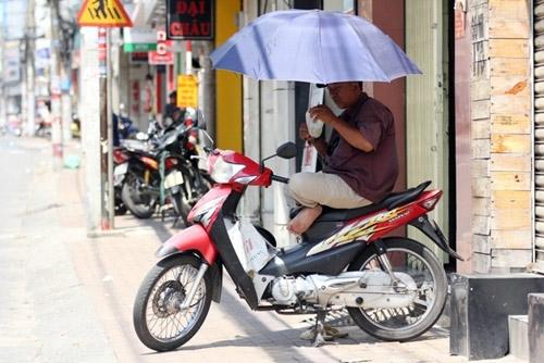 Nắng nóng tiếp tục gia tăng trên khắp cả nước. Ảnh: Dương Thanh.