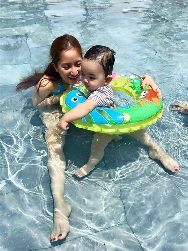 Ngắm loạt biểu cảm siêu cưng của nhóc tì sao Việt khi đi bơi - Tin sao Viet - Tin tuc sao Viet - Scandal sao Viet - Tin tuc cua Sao - Tin cua Sao