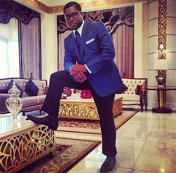 Teodoro rất thích chưng diện, chỉ mặc đồ của Versace, Gucci, và Dolce & Gabbana, có lần từng mua 30 bộ vest tại một trung tâm mua sắm xa hoa ở Pháp.