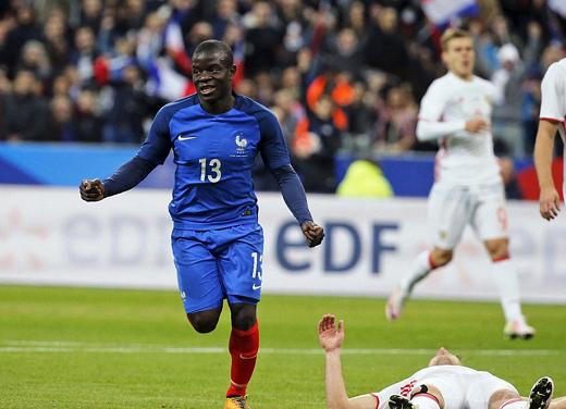 Với phong độ cực cao trong màu áo Leicester, N'golo Kante được gọi lên ĐT Pháp chuẩn bị cho EURO 2016