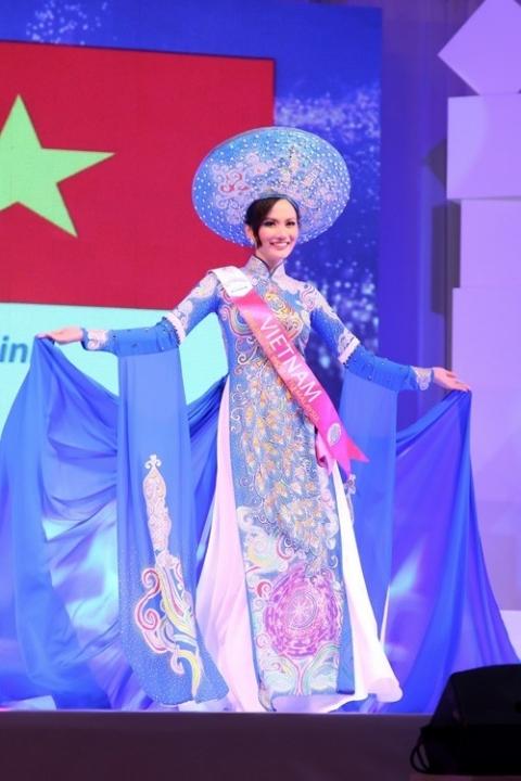 Cùng năm, Diệu Linh tham dự Hoa hậu Du lịch Quốc tế tại Malaysia. Cô đạt giải Hoa hậu Đông Nam Á và giải phụ Trang phục dân tộc đẹp nhất.