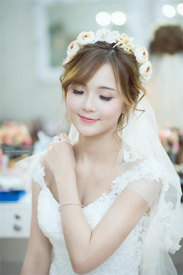 Sở hữu gương mặt xinh xắn như công chúa, cô nàng được rất nhiều nhiếp ảnh gia yêu thích và lựa chọn. (Ảnh: Nguyễn Văn Giang)