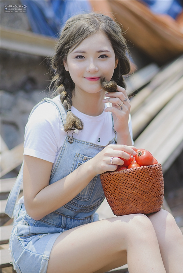 Là cô gái đáng yêu, gần gũi và thân thiện với mọi người nênThu Hươngđược rất nhiều người yêu mến. (Ảnh: Chau Nguyen Jr)