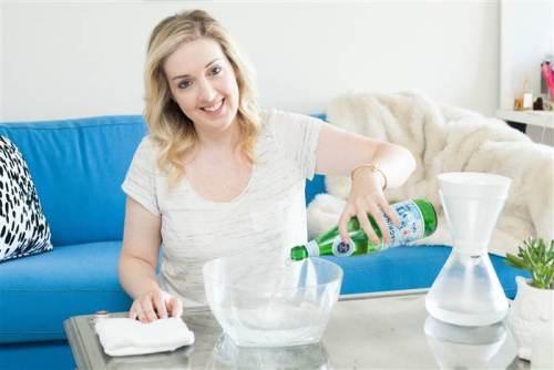 Rửa mặt bằng nước khoáng có gas (soda) là một phương pháp làm đẹp tại nhà an toàn, hiệu quả mà chị em nên thử