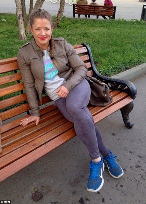 Nhìn hình ảnh hiện tại, ít ai biết trước đây Aleksandra có thân hình bình thường và tương đối nữ tính