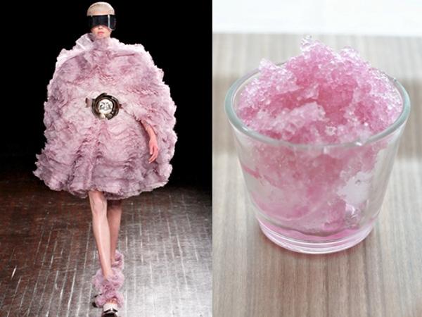 Bộ váy với sắc hồng ngọt ngào trông không khác li đá bào siro ngon ngọt.