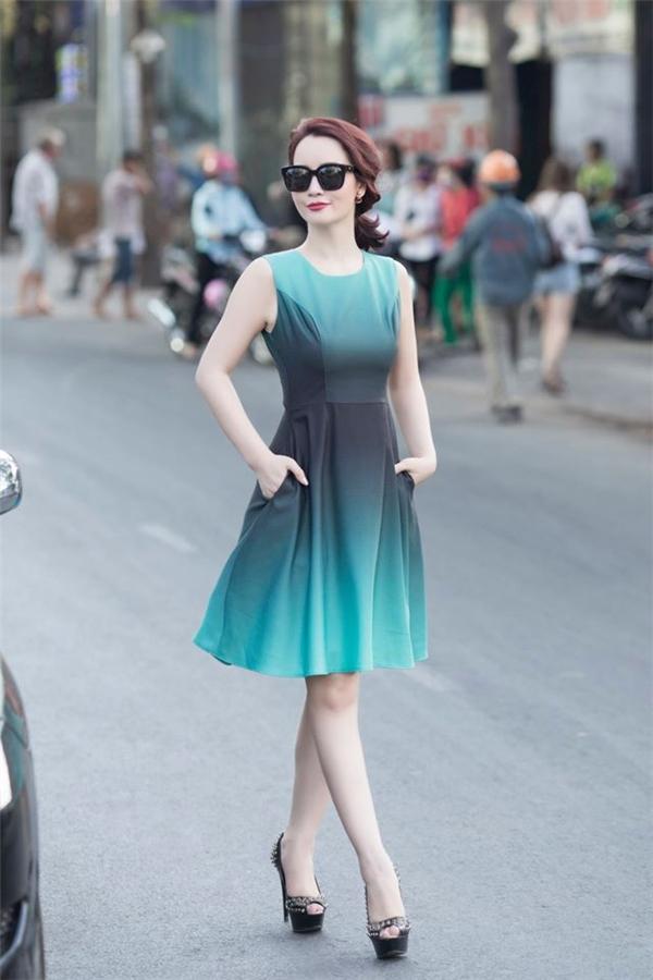 Nữ diễn viên Mai Thu Huyền nhẹ nhàng xuống phố với phong cách dịu dàng, nữ tính. - Tin sao Viet - Tin tuc sao Viet - Scandal sao Viet - Tin tuc cua Sao - Tin cua Sao