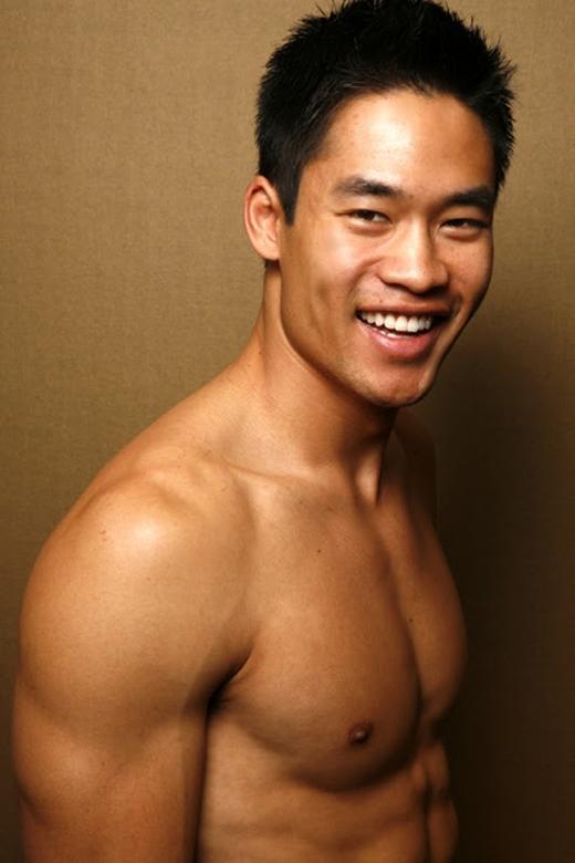 Anh con được mệnh danh là một trong những chàng trai gốc Á quyến rũ nhất của Mỹ. (Ảnh: Internet)