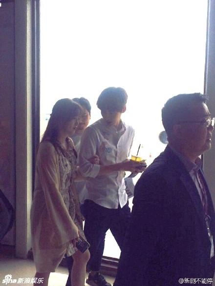 Hình ảnh hạnh phúc mới nhất của cặp đôi sáng ngày 10/5 khi Goo Hye Sun có lịch trình làm việc tại đảo Jeju