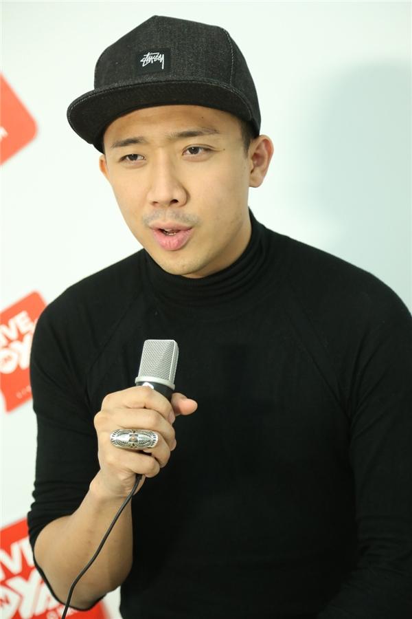Không chỉ là MC kiêm diễn viên hài có tiếng, Trấn Thành còn được khán giả hâm mộ bởi giọng ca ngọt ngào, ấm áp. - Tin sao Viet - Tin tuc sao Viet - Scandal sao Viet - Tin tuc cua Sao - Tin cua Sao