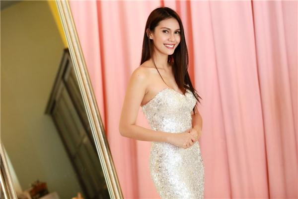 """Hoa hậu Trái đất 2015 sang thăm Việt Nam """"không kèn không trống"""""""