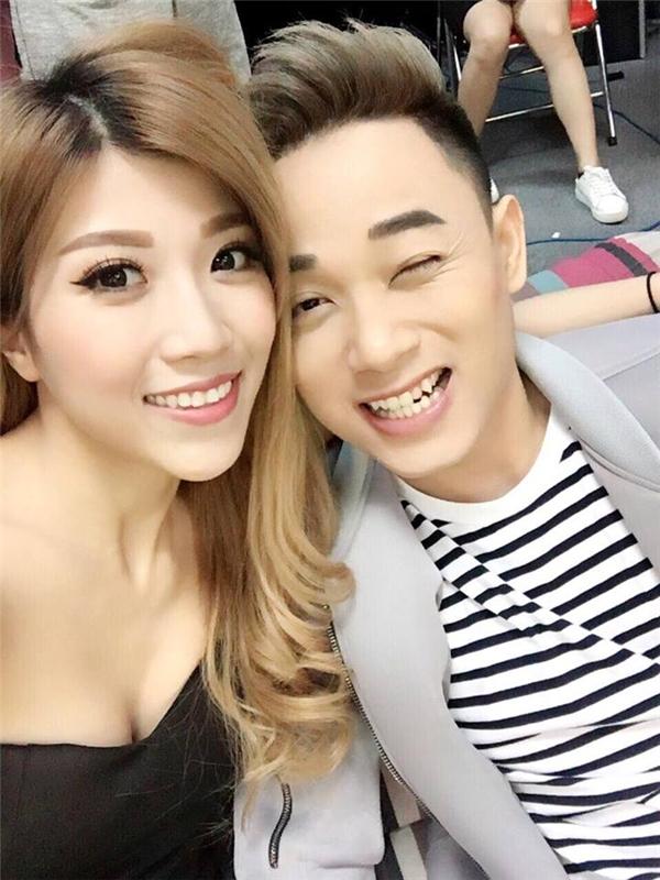 Bên cạnh đó, hình ảnh anh vàTrang Pháphớn hở selfie cùng nhau cũng khiến cư dân mạng thích thú. - Tin sao Viet - Tin tuc sao Viet - Scandal sao Viet - Tin tuc cua Sao - Tin cua Sao