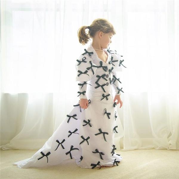 Sốt với cô bé 6 tuổi trở thành nhà thiết kế cho thương hiệu nổi tiếng