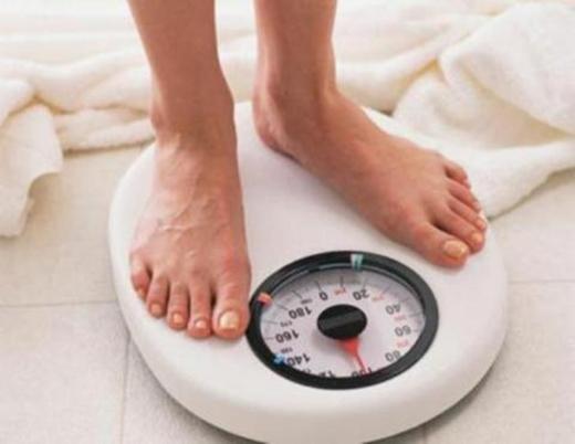 Giảm cân không phải lúc nào cũng làtốt. (Ảnh: Internet)