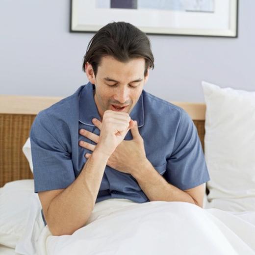 Ho kéo dài hơn 3-4 tuần được xem là dấu hiệu của ung thư. (Ảnh: Internet)
