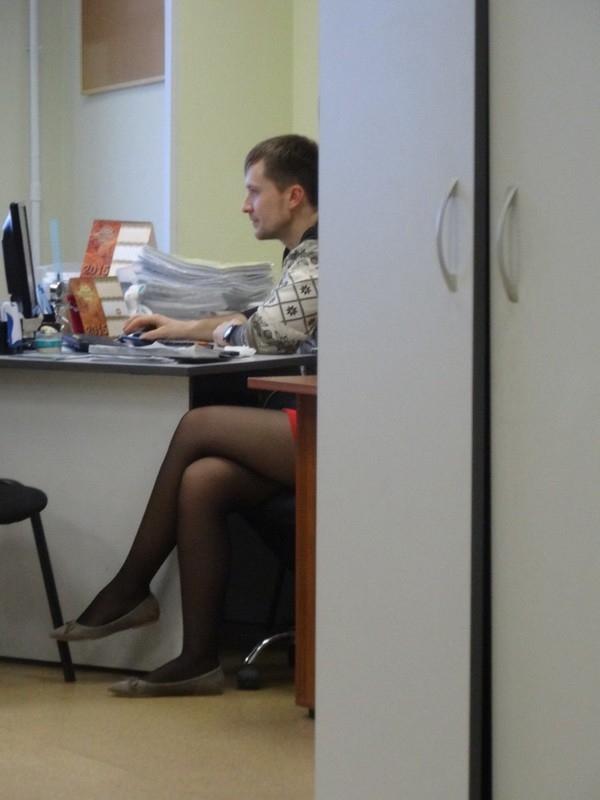Vẻ mặt nam tính thế kia lại có đôi chân nuột nà đến vậy, còn gì đáng ghen tỵ hơn không? (Ảnh: Internet)