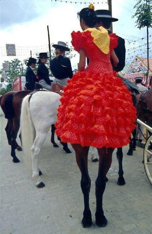 Cô gái có đôi chân ngựa (Ảnh: Internet)