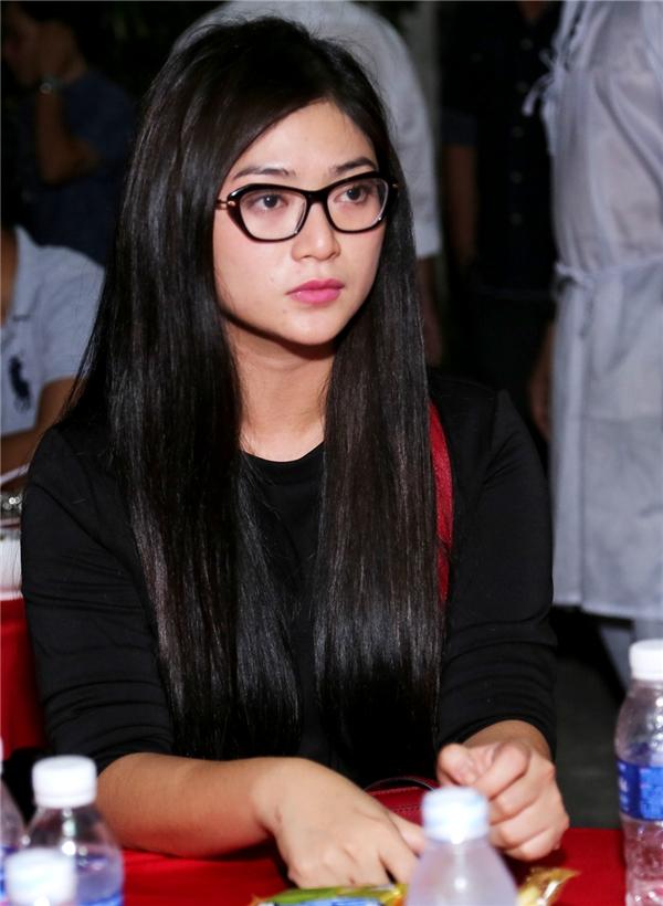 Nữ diễn viên Thanh Trúc cũng có mặt để phụ giúp gia đình nữ ca sĩ Hồng Ngọc. - Tin sao Viet - Tin tuc sao Viet - Scandal sao Viet - Tin tuc cua Sao - Tin cua Sao