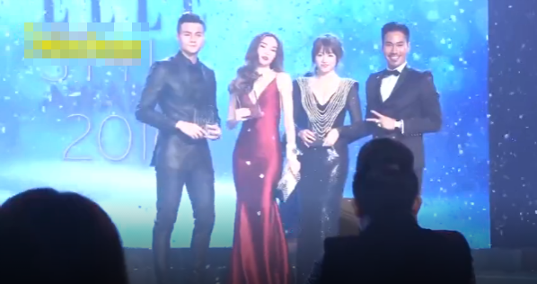 """Hồ Ngọc Hà """"tỏ thái độ"""" với Hari Won ngay trên sân khấu?"""