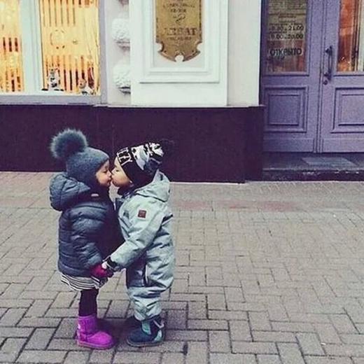 Cặp đôi dù lớn dù nhỏ cũng không nên hẹn hò vào ngày này nhé. (Ảnh: Internet)