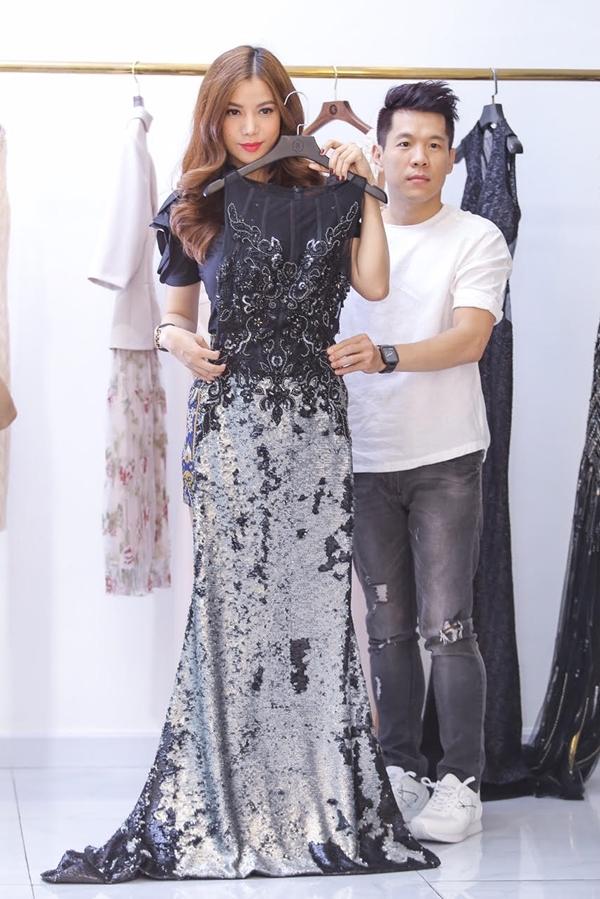 Công Trí đích thân thiết kế trang phụccho Trương Ngọc Ánh để cô có thể xuất hiện với vẻ ngoài lộng lẫy nhất tại mộtsự kiện lớn ở Trung Quốc. - Tin sao Viet - Tin tuc sao Viet - Scandal sao Viet - Tin tuc cua Sao - Tin cua Sao