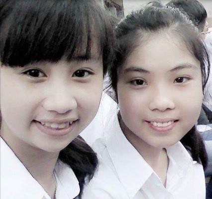 Ngô Thúy Hằng (bên phải) cho rằng, mạng xã hội là vấn đề 'nóng' được nhiều học sinh quan tâm. Ảnh: NVCC.