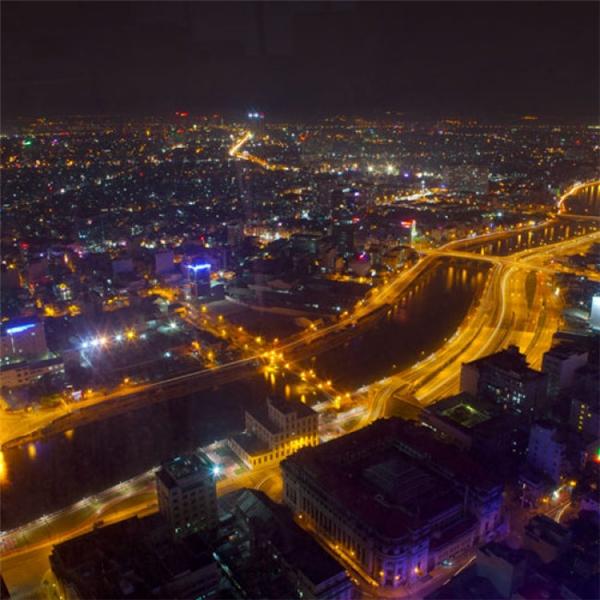Toàn cảnh thành phố khi lên đèn ở độ cao vài trăm mét.(Ảnh: Internet)