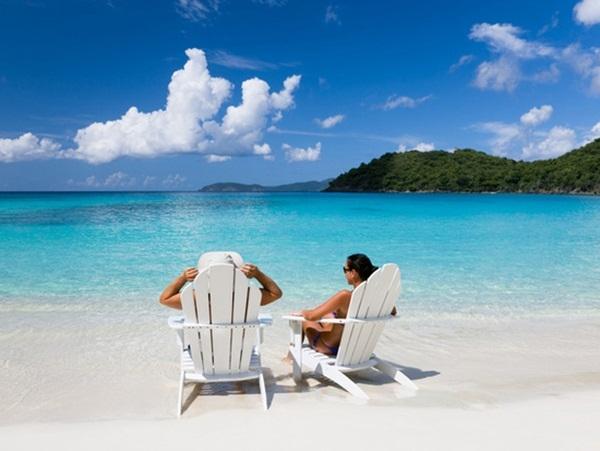 Bãi Dài rực nắng, hoang sơđược xem là bãi biểnthích hợp nhất cho nhữnglời cầu hôn chân thành.(Ảnh: Internet)