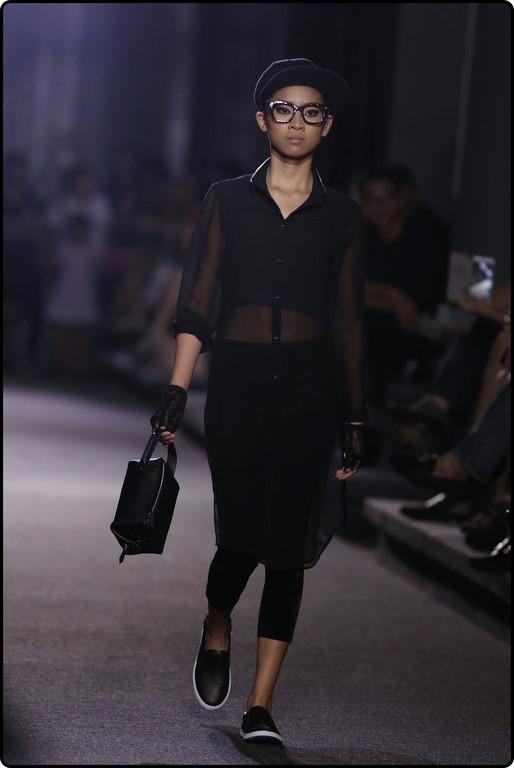 Có thể nói, bộ sưu tập chốt màn của nhà thiết kế đến từ thủ đô Hà Nội đã mang một luồng gió mới cho Tuần lễ Thời trang Nhà thiết kế Việt Nam 2016.