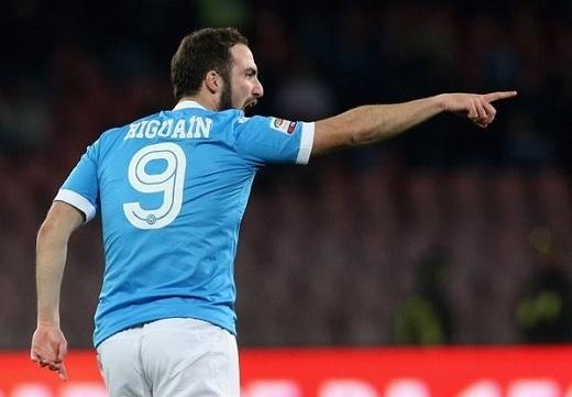 Higuain sẽ trở thành món hàng cực hot trong kìchuyển nhượng hè năm nay.Ảnh: Goal.