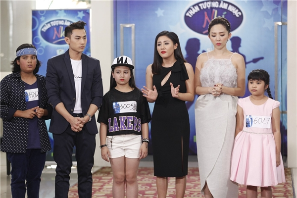 Tóc Tiên và Văn Mai Hương bật khóc khi loại thí sinh