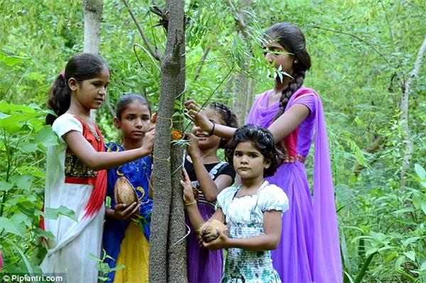 Cả làng sẽ quyên góp tiền lập quỹ riêng cho bé gái sau này.