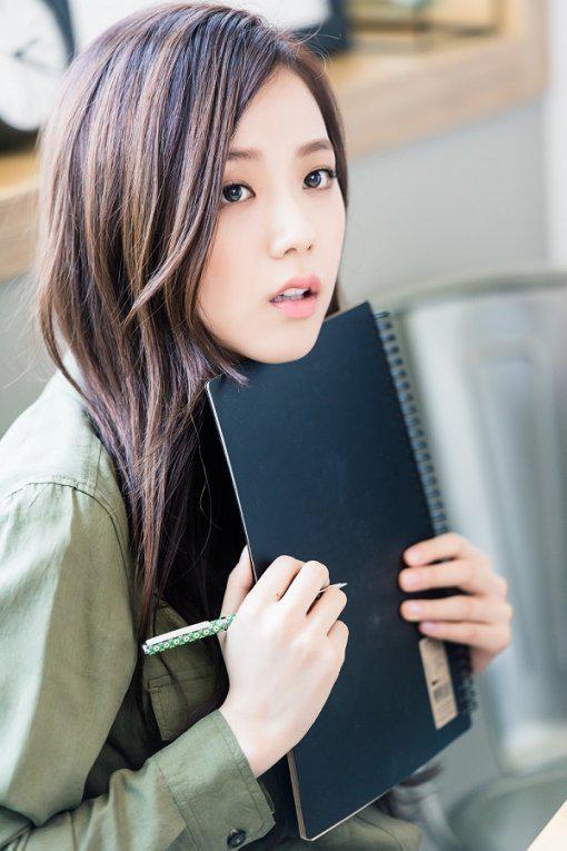 """Kim Ji Soo sẽ nằm trong thế hệ """"nữ thần"""" tiếp theo của làng giải trí Hàn Quốc?"""