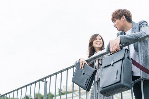 Kim Ji Soo từng gây chú ý khi xuất hiện cùng Lee Min Ho trong một video quảng cáo.