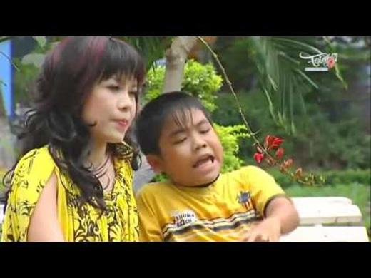 Không lạ gì khi thấy bé Châu thường xuyên xuất hiện trong các vở tấu hài của Việt Hương và Hoài Linh. (Ảnh: Internet) - Tin sao Viet - Tin tuc sao Viet - Scandal sao Viet - Tin tuc cua Sao - Tin cua Sao
