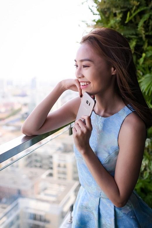 """""""Người bạn thân thiết"""" Galaxy S7 edge tiếp tục đồng hành cùng Lan Ngọc trong đoạn clip. - Tin sao Viet - Tin tuc sao Viet - Scandal sao Viet - Tin tuc cua Sao - Tin cua Sao"""
