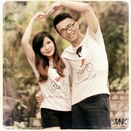 Trang cá nhân của hai người thường xuyên chia sẻ ảnh chụp cùng nhau.