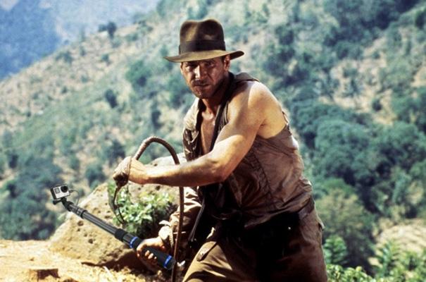 """Khôi hài cảnh """"ngầu ca"""" Hollywood thế đạo cụ diễn bằng gậy tự sướng"""