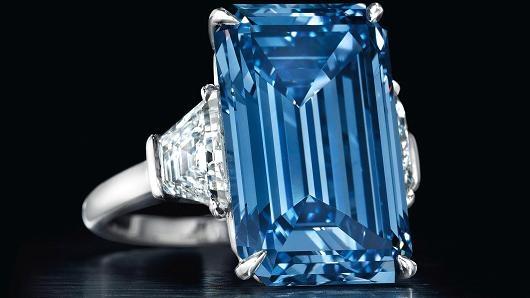 Oppenheimer đạtkỉ lục viên đá quí đắt nhất thế giới với giá57,6 triệu USD.(Ảnh: Internet)