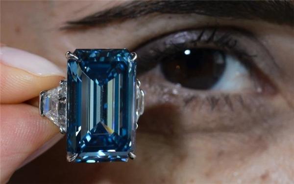 Viên kim cương xanh này lấy tên từ vị chủ trước của nó làSir Philip Oppenheimer.(Ảnh: Internet)
