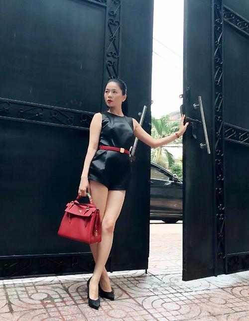 Cô có bộ sưu tập túi xách Hermes Birkin và Hermes Kelly với nhiều màu sắc và chất liệu khác nhau. - Tin sao Viet - Tin tuc sao Viet - Scandal sao Viet - Tin tuc cua Sao - Tin cua Sao