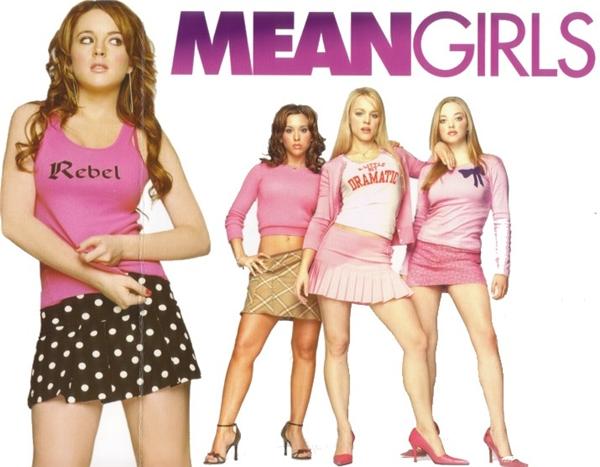 Mean Girls: Nàng bắt đầu ăn mặc ít hơn và ra đường nhiều hơn.