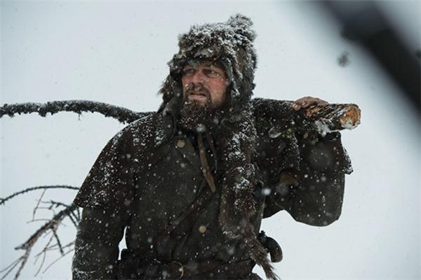 The Revenant: Leonardo DiCaprio lang thang trên vùng đất hoang băng giá để tìm tượng vàng Oscar.