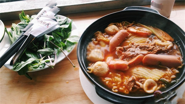 Mì cay được nấu theo phong cách Hàn Quốc.(Ảnh: Internet)