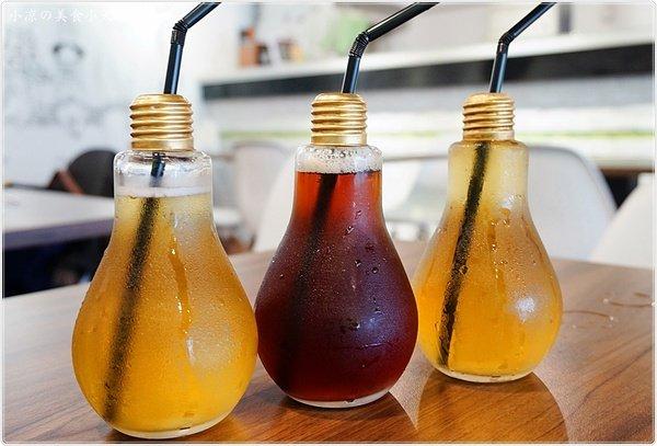 Nhiều loại nước uống khác ra đời cũng có mác bóng đèn.(Ảnh: Internet)