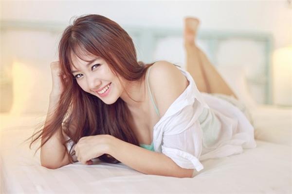 """Những hình ảnh đối lậpvớihình tượng """"gái ngoan"""" của Hari Won trong lòng người hâm mộ. - Tin sao Viet - Tin tuc sao Viet - Scandal sao Viet - Tin tuc cua Sao - Tin cua Sao"""