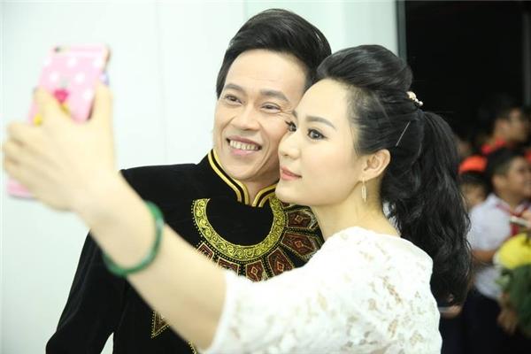 Con trai Hoài Linh bất ngờ xuất hiện trên khán đài ủng hộ cho bố - Tin sao Viet - Tin tuc sao Viet - Scandal sao Viet - Tin tuc cua Sao - Tin cua Sao