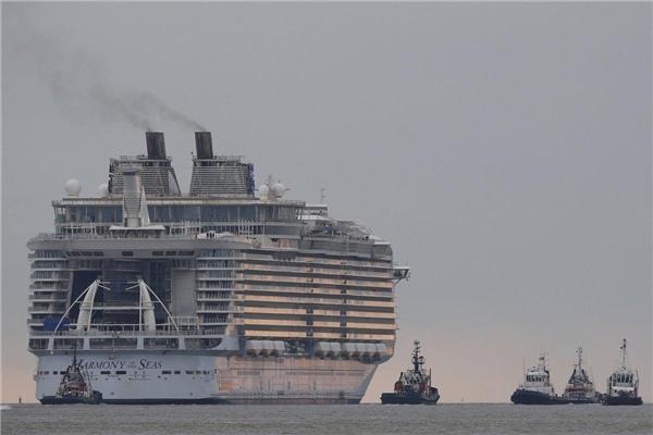 Con tàu được vận hành bởi ba máy phát điện 25.000 mã lực và ba máy phát điện diesel Wärtsilä 18.600 mã lực