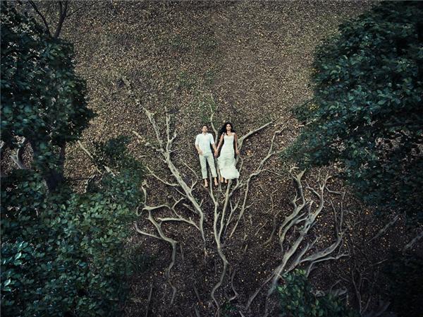 Ngất ngây bộ ảnh cưới chụp từ trên cao đẹp đến không thể tin nổi